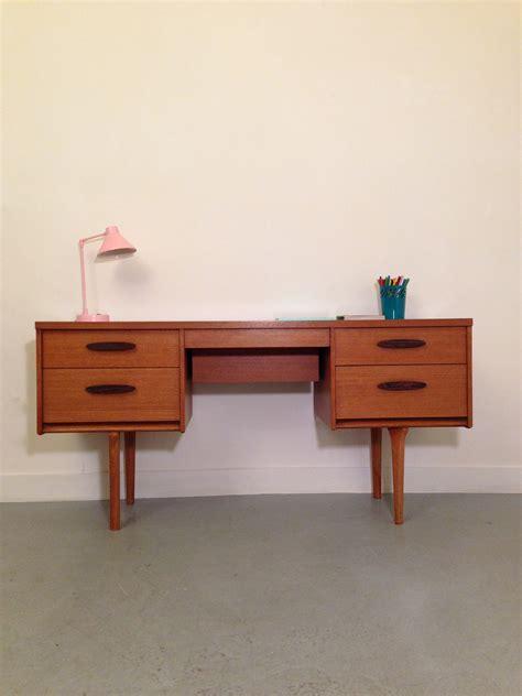 bureaux vintage general store petit buffet meuble console