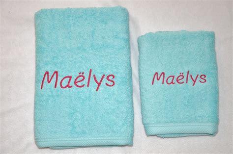 serviette de toilette turquoise personnalis 233 e brod 233 e textiles et tapis par lbm creation