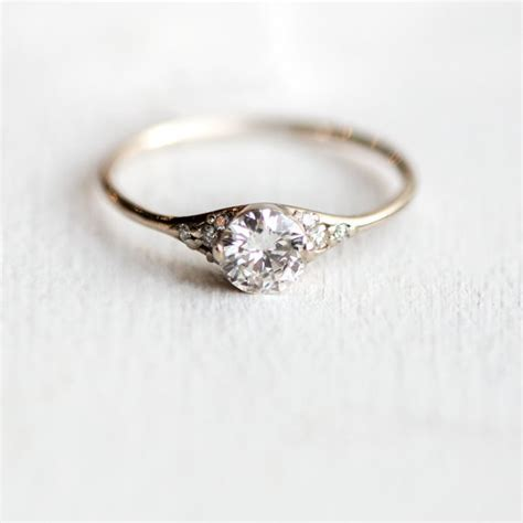 15 Perfectly Delicate Engagement Rings For The Lowkey