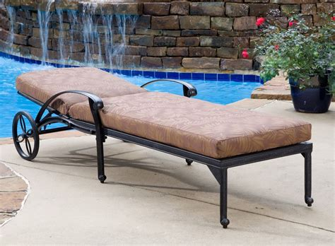 chaises métal outdoor chaise lounge for backyard pool amaza design
