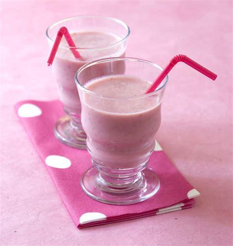 aux fraises cuisine milkshake à la fraise les meilleures recettes de cuisine d 39 ôdélices