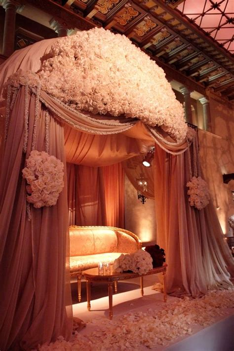 Sweetheart Table Backdrops And Reception Halls On Pinterest