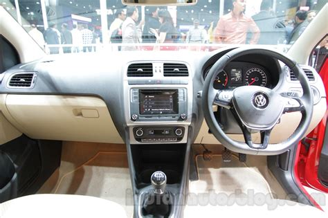vw polo highline     images   features