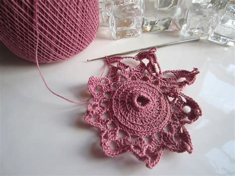 crochet christmas ornaments thread 002 g ma ellen s