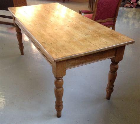 turned leg farmhouse table victorian pine farmhouse table on turned legs circa 1880