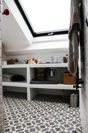 salle de bain sous pente salle de bain sous pente et sous combles 224 la d 233 co craquante