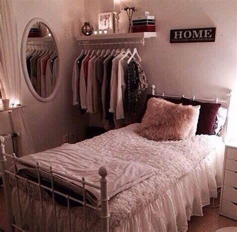 bedroom theme ideas wowruler best 25 small room decor ideas on bedroom for 15