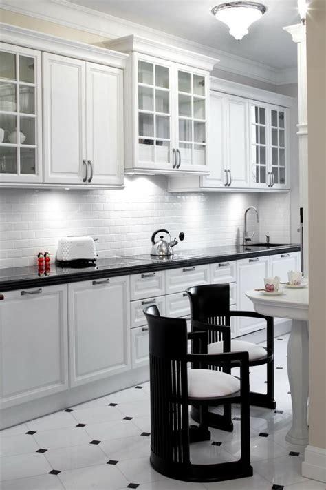 carrelage cuisine blanc et noir carrelage noir et blanc très chic des idées originales à