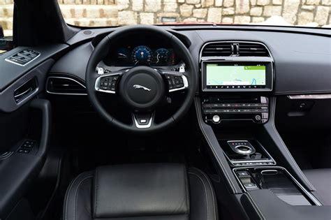 jaguar  pace   drive review pictures