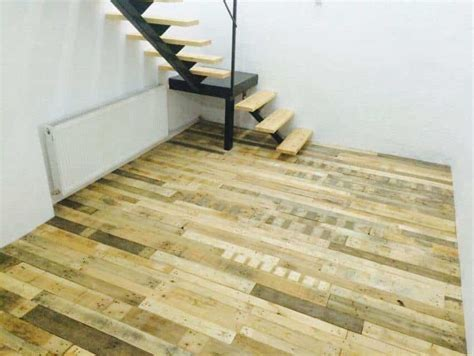 Floor Made out of Pallets ? Recyclart