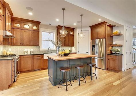 This neutral color, without a doubt, looks gorgeous to create such a relaxing atmosphere to the whole room. 100 best oak kitchen cabinets ideas decoration for ...