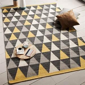 tapis 100 laine tisse main motifs triangle jaune gris With tapis enfant avec canape gris style scandinave
