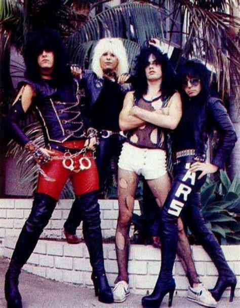 Viral videos of the week,most funny video. Motley Crue 1983 | Look años 80, Chica heavy metal, Fotografía de bandas