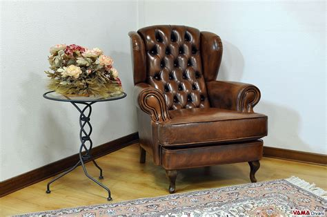 Classic Leather Bergere Armchair With Buttoned Details