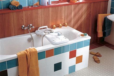 materiel pour salle de bain 28 images materiel pour salle de bain m 233 dicalis 233 e am 233 nager une salle de bain pour seniors