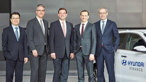 Check spelling or type a new query. Startschuss für konzerneigenen Finanzservice - autohaus.de