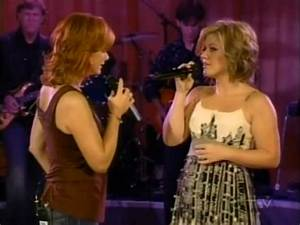 Reba McEntire & Kelly Clarkson - Because of you - YouTube
