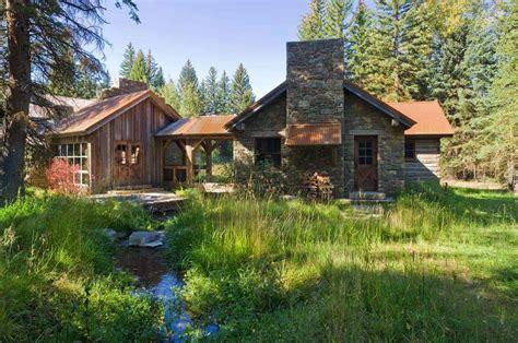 rustic family retreat   charming barn aesthetic