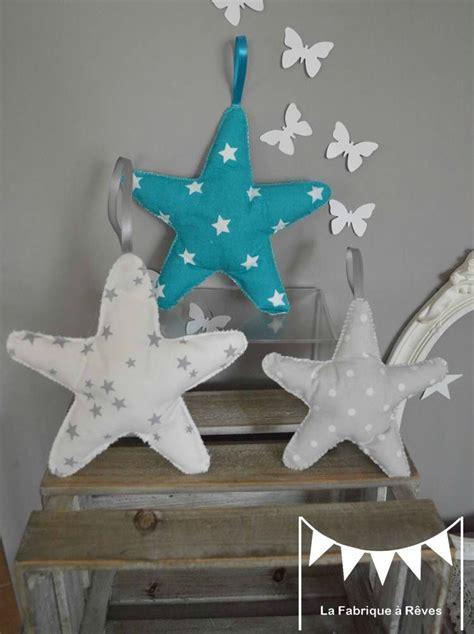 chambre bébé gris blanc bleu 3 étoiles à suspendre accrocher bleu turquoise blanc gris