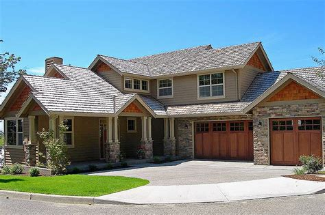 craftsman style house plan  beds  baths  sqft