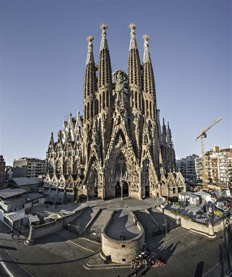 15 Best Things to Do in Barcelona (Spain) - The Crazy Tourist