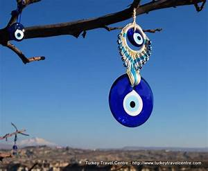 Best Souvenirs to Buy in Turkey : Evil Eye, Carpets and