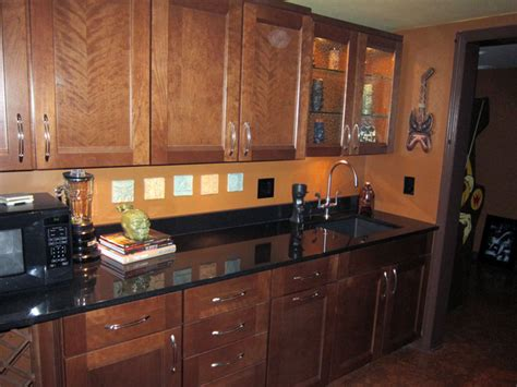 solana maple  auburn glaze  shenandoah cabinetry