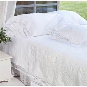 Couvre Lit Blanc : couvre lit blanc ana par ~ Teatrodelosmanantiales.com Idées de Décoration
