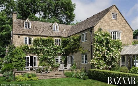 Cotswolds Cottage by Inside Cameron S Cotswold Cottage Daily Mail