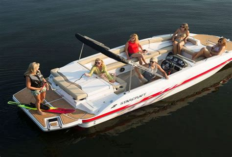 How Much Does A Deck Boat Weight how much do deck boats weigh average weights with 10 exles