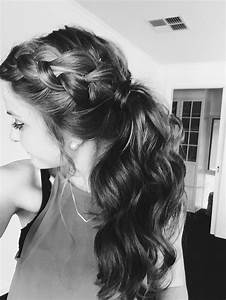 Easy chic hairstyle