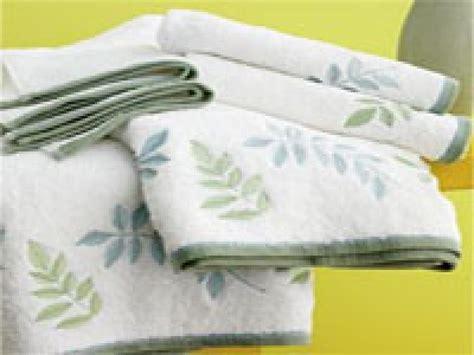 hgtv ideas magazine a basic guide to bath towels hgtv
