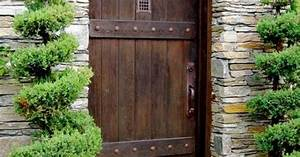Gartentüren Aus Holz : massive t r gartent r aus holz sichtschutz mauer bauen ~ Michelbontemps.com Haus und Dekorationen