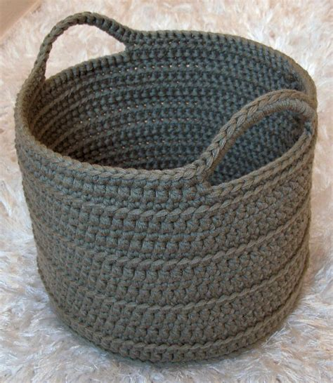 crochet basket 1000 ideas about crochet baskets on pinterest crochet storage crochet basket pattern and