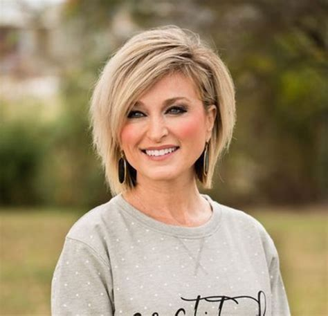 Bob Haircuts for Older Women Chic Look Love this Hair