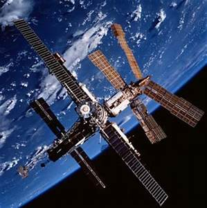 Amateur astronomers say Chinese space station could crash ...