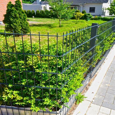 wie hoch darf ein zaun sein home deluxe set doppelstabmattenzaun 183 cm hoch 1 matte f 252 r 2 m zaun mit 2 pfosten