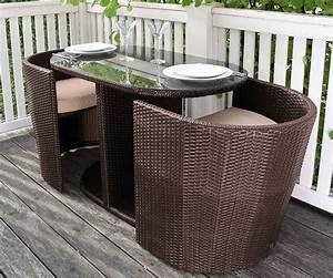 Gartenmöbel Kleiner Balkon : 10 wohntipps f r den balkon planungswelten ~ Indierocktalk.com Haus und Dekorationen