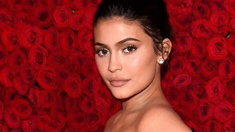 Kim Kardashian and Kylie Jenner Look Like Twins in New ...