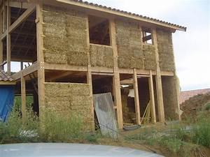 fowleil et sa maison en paille With maison bois et paille 14 les maisons aux comores