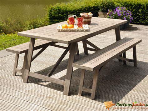 cuisine avec table int馮r馥 table bois jardin avec banc wraste com