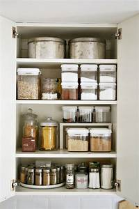 15 beautifully organized kitchen cabinets and tips we for Kitchen cabinet organization tips