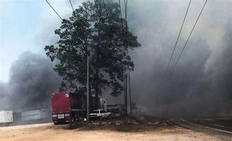 (fotos) Pavoroso Incendio Consumió Un Taller Y Varios