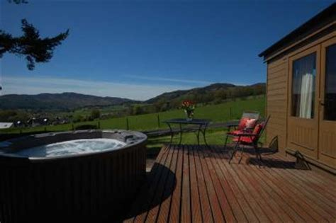 cheap lodges with tubs scotland log cabins in scotland lodges with tubs in