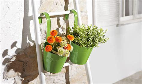 pot a suspendre fleur 2 pots de fleurs 224 suspendre lidl archive des offres promotionnelles