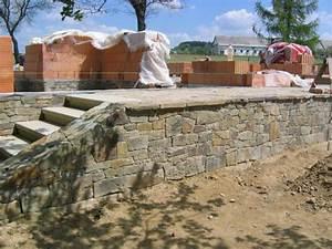 Dokončení suterénu s žulovým kamenem