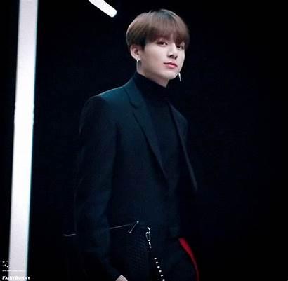 Jungkook Bts He Way Fans Walking Walks