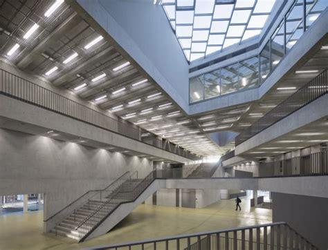 Gemeindezentrum The In Ikast by Beton Sichtbeton Hohe Klasse Metall Glas Transperenz