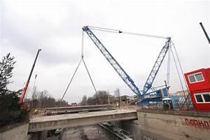Dismantling of bridge at Prague