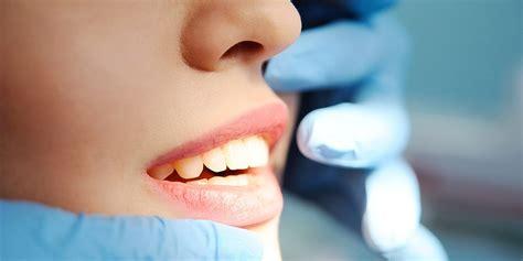 Entzündungen im Mund - warum jetzt schnell zum Zahnarzt ...